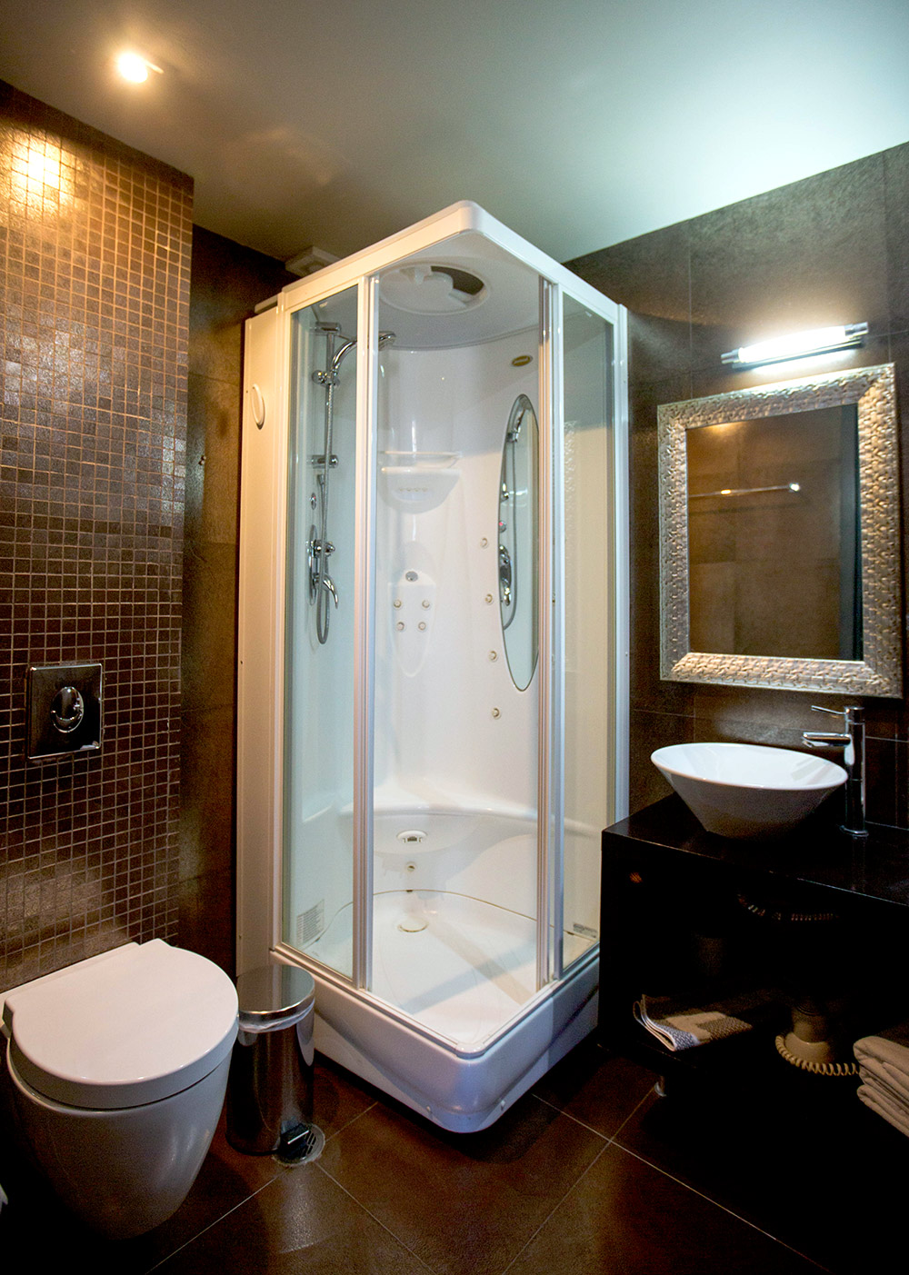 aion-hotel-nafplio-bathroom2-2.jpg